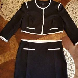 Darling Black & White professional Skirt Suit Jr M